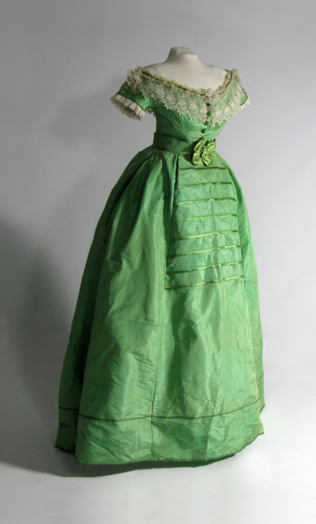 arsenic_pic_17_final-of-emerald-green-dress-(1)-300dpi-w2800-h3862
